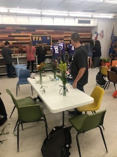 Horticulture class had fun making some bud vase for someone special today!!!